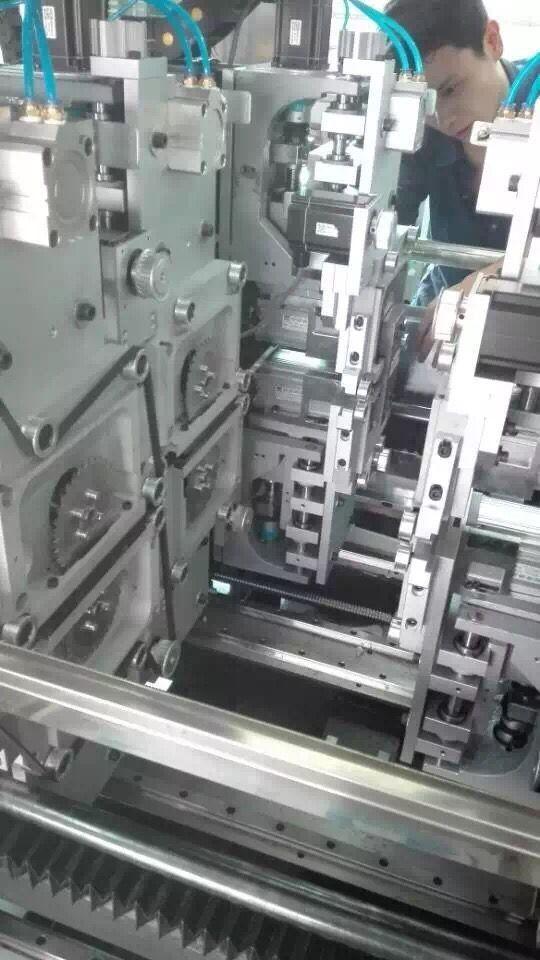 Schermo facile a macchina di operazione tagliato V perfetto del PWB di alta precisione